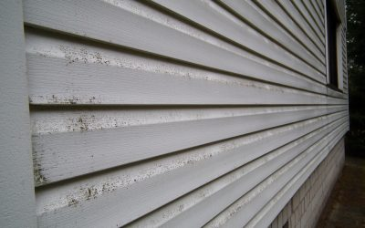 Does Pressure Washing Damage Vinyl Siding on Your Home?